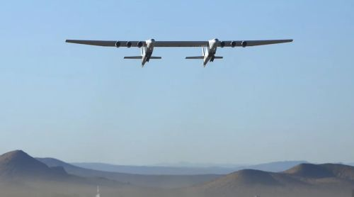 Самолет Stratolaunch Roc